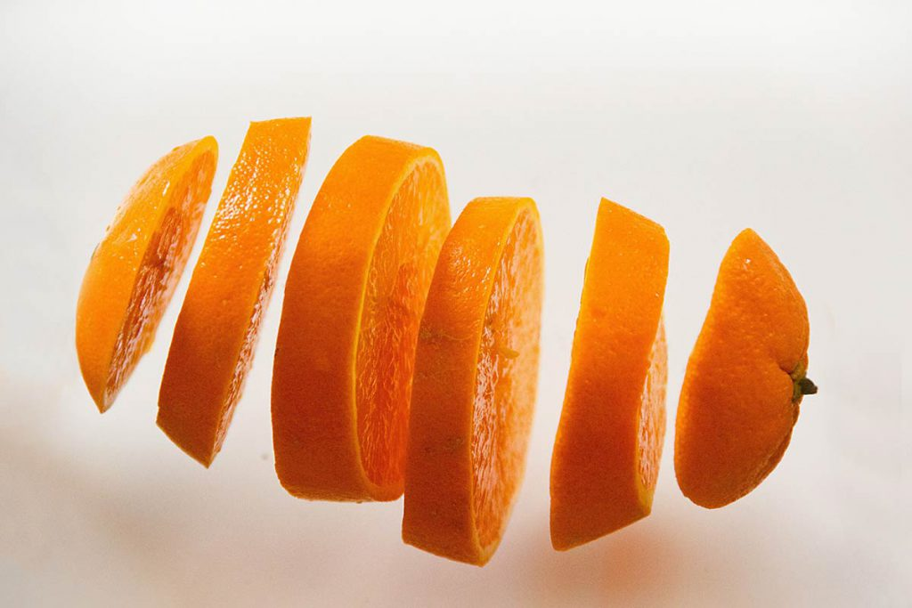 A sliced orange referring to conflict in this article